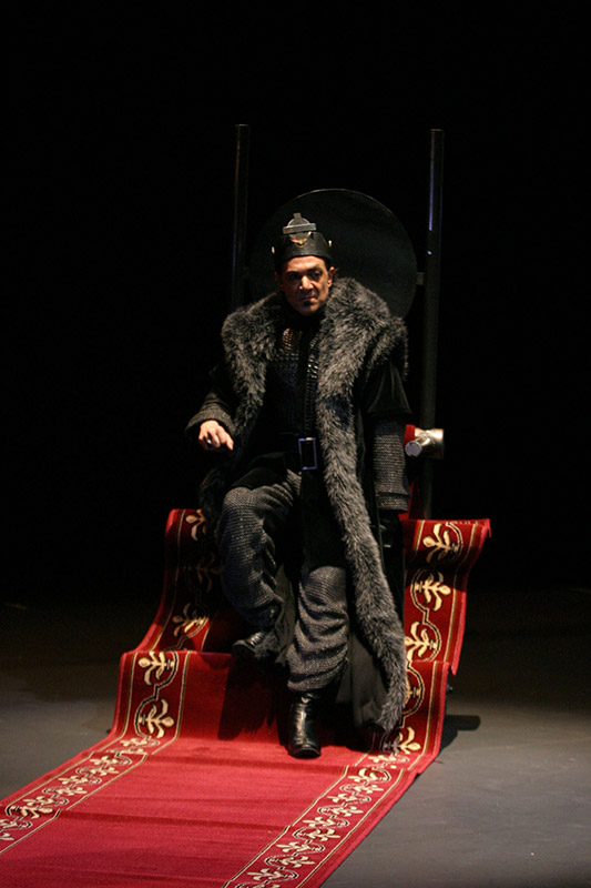 Juan Carlos Garés as Richard III