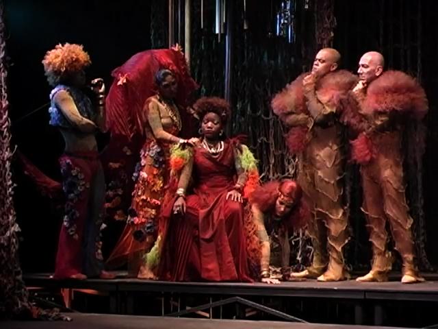 Sonho de uma Noite de Verao: uma intromissao do grupo Nós do Morro no mundo de Shakespeare (Midsummer's Night Dream)